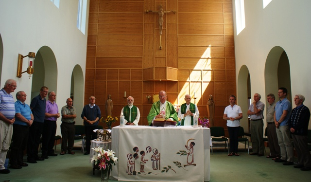 EHartnett leads Eucharist