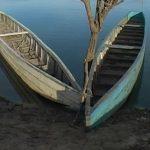 w.Two Lukulu boats